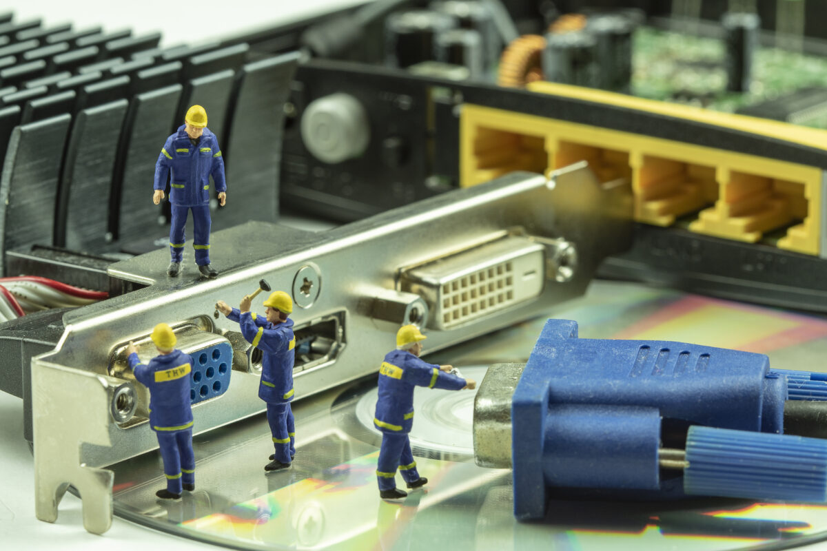 Miniature people maintenance electronic device component for IT backup and recovery